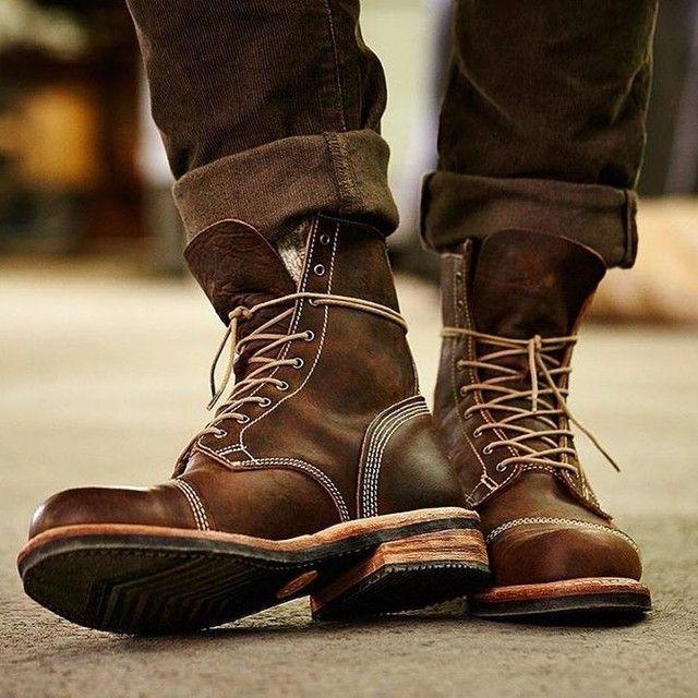 С газетами промокшая обувь высохнет быстрее.