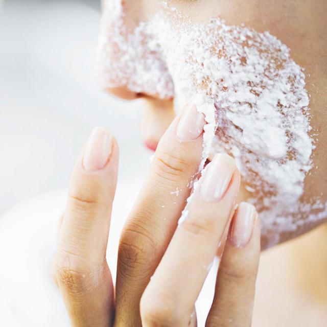 Лайфхак для чистой кожи: маска с содой и солью.
