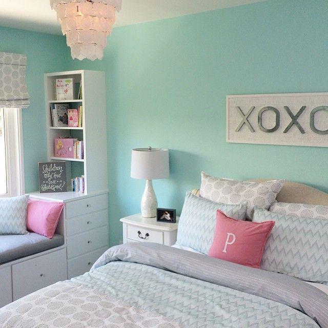 Яркие подушки отлично дополняют интерьер!