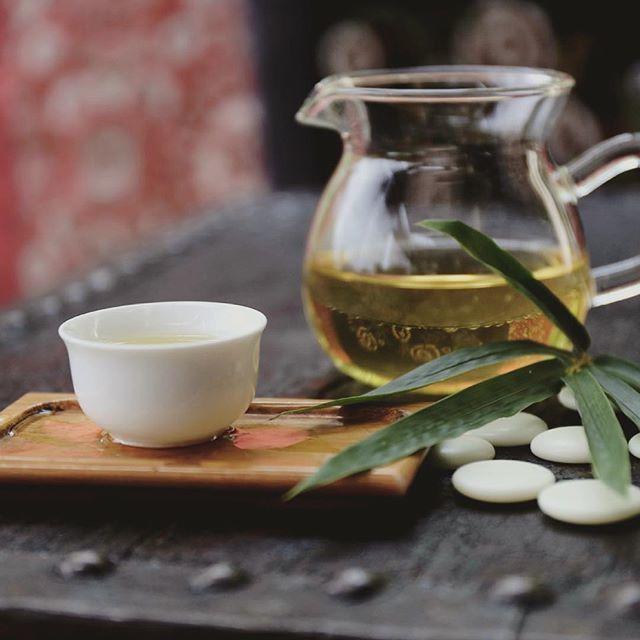 Облегчить симптомы простуды поможет имбирный чай.