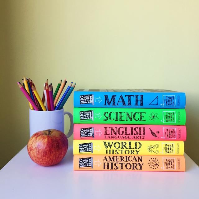Помогайте ребенку учить таблицу умножения, чтобы он чувствовал вашу поддержку.