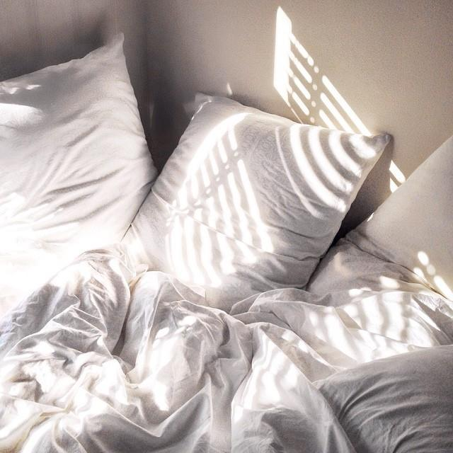Систематическое недосыпание — распространенная причина гипотонии.