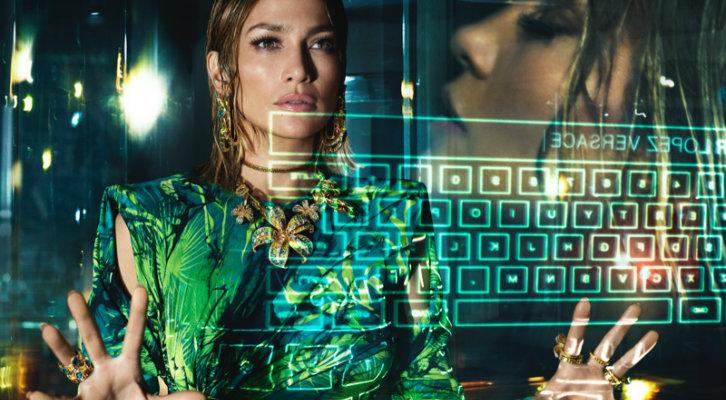 Jennifer-Lopez-Versace-Spring-2020-Campaign05