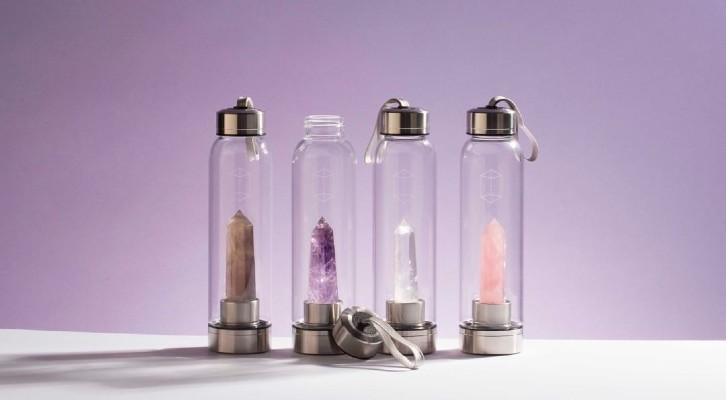 Бутылка для воды с кристаллами: как она работает и работает ли вообще